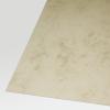 Gros plan du carton marbré 200 g/m² de couleur marron